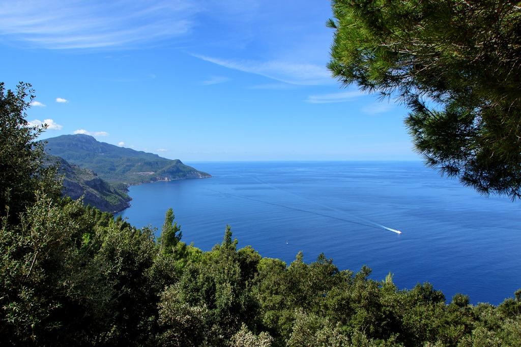 Mallorca Fincas in der Umgebung des Tramuntana-Gebirges, Deia und Valldemossa - Fast alle Sander Touristik Mallorca Fincas an der Westküste um Deià und Valldemossa beeindrucken durch einen tollen Meerblick, eine exklusive Ausstattung und besitzen einen Pool.