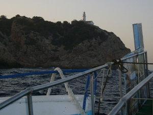 Nordost-Mallorca - Lohnenswert ist in Cala Ratjada ein Spaziergang hinauf zum Leuchturm mit wunderschönem Blick über die Küste.
