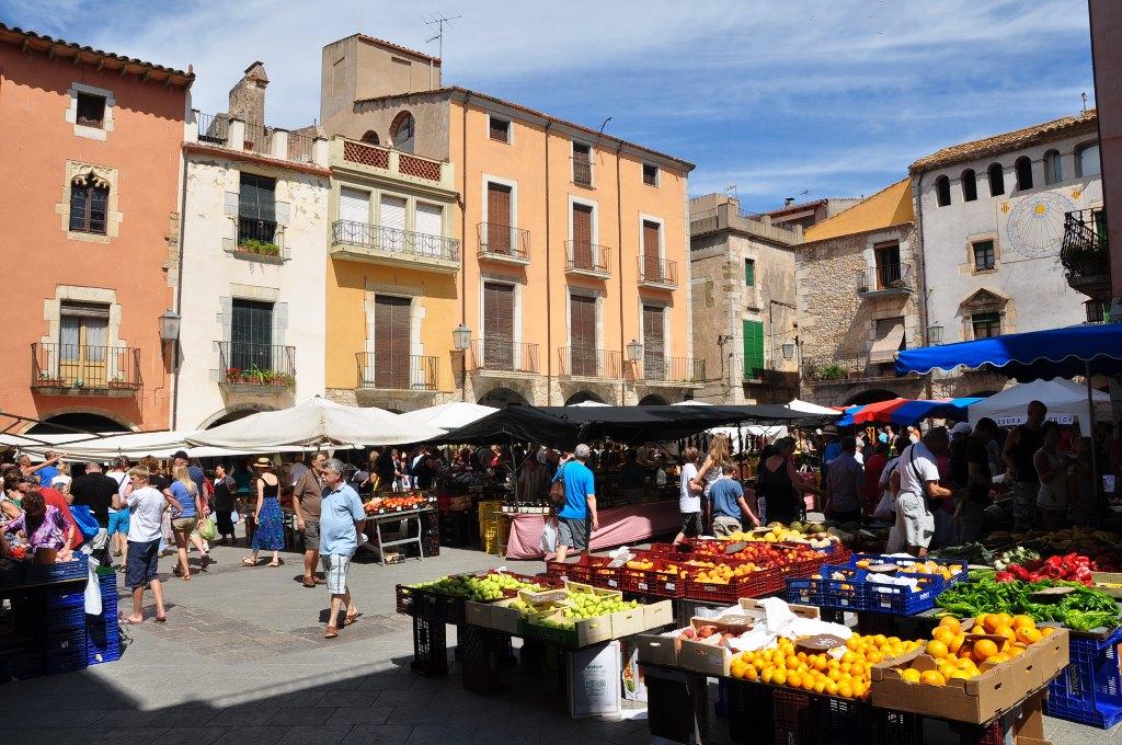 Pollenca -  Port de Pollenca - Cala Sant Vicenc - Sonntags ist Markttag in Pollenca. Staunen Sie, schnuppern Sie, schmecken Sie - das rege Treiben auf dem Marktplatz sollte man  unbedingt erlebt haben.