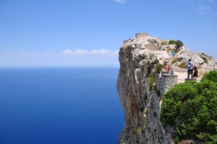 Pollenca -  Port de Pollenca - Cala Sant Vicenc - Das nahe Tramuntana-Gebirge bietet vielfältige Wander- und Radwander-möglichkeiten. Hier befinden sich auch die imposanten Felsen von Formentor.