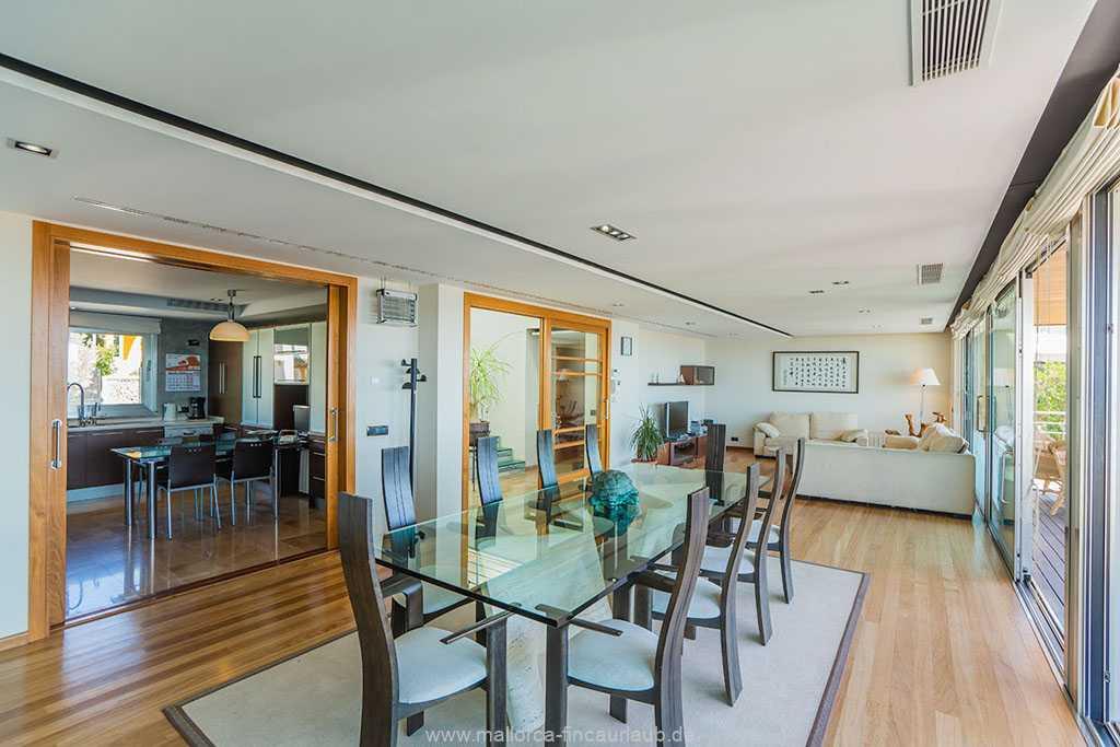 schöner und moderner Wohnbereich