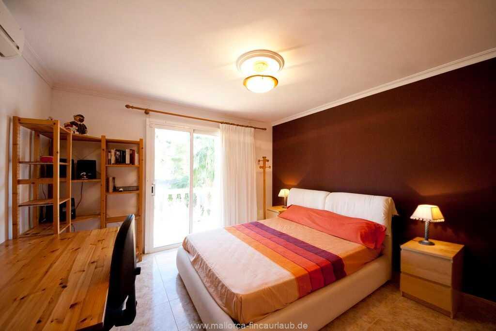 Doppelbettzimmer  (150 x 200 cm) mit Klimaanlage