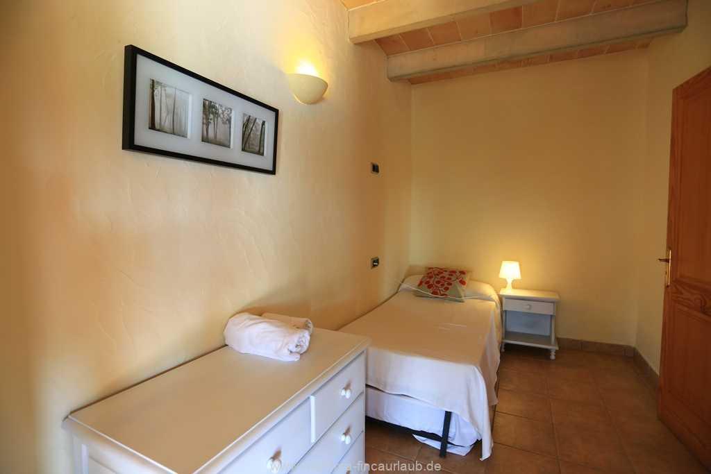 Foto der Wohnung MAL-23-025-01-finca-can-manuel-can-picafort.schlafen3.jpg