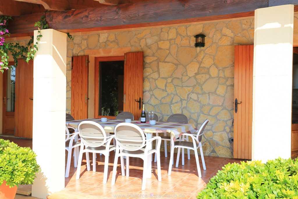 Foto der Wohnung MAL-23-025-01-finca-can-manuel-can-picafort.terrasse2.jpg