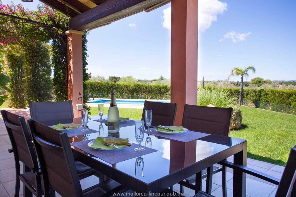 Foto der Wohnung MAL-23-077-01-finca-olivia-can-picafort-terrasse4.jpg