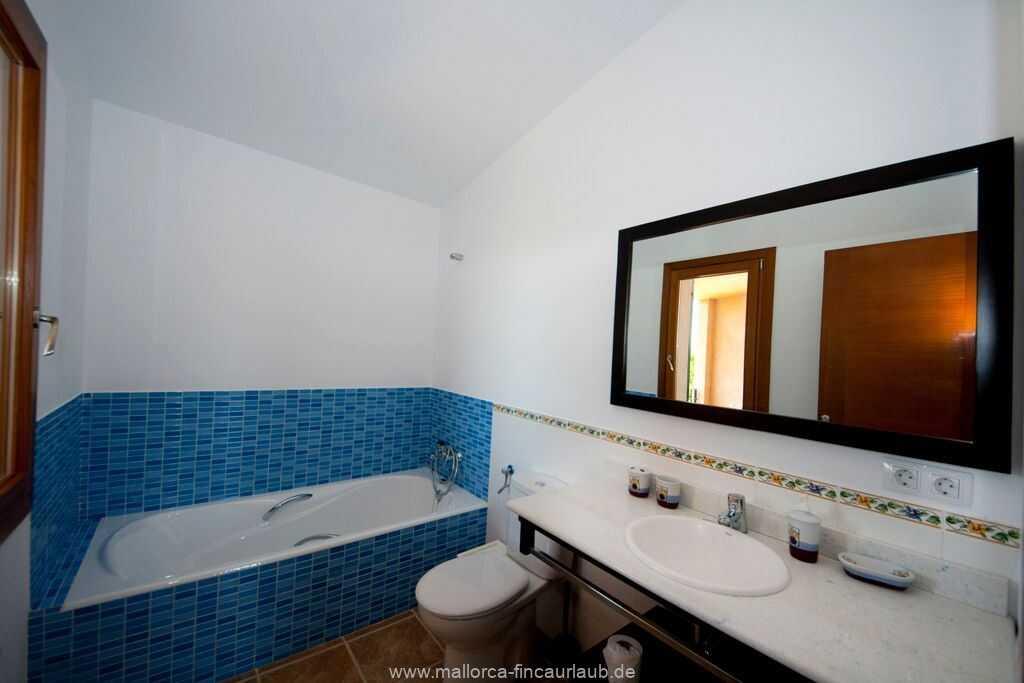Foto der Wohnung MAL-23-084-01-finca-lydia-can-picafort.bad2.jpg