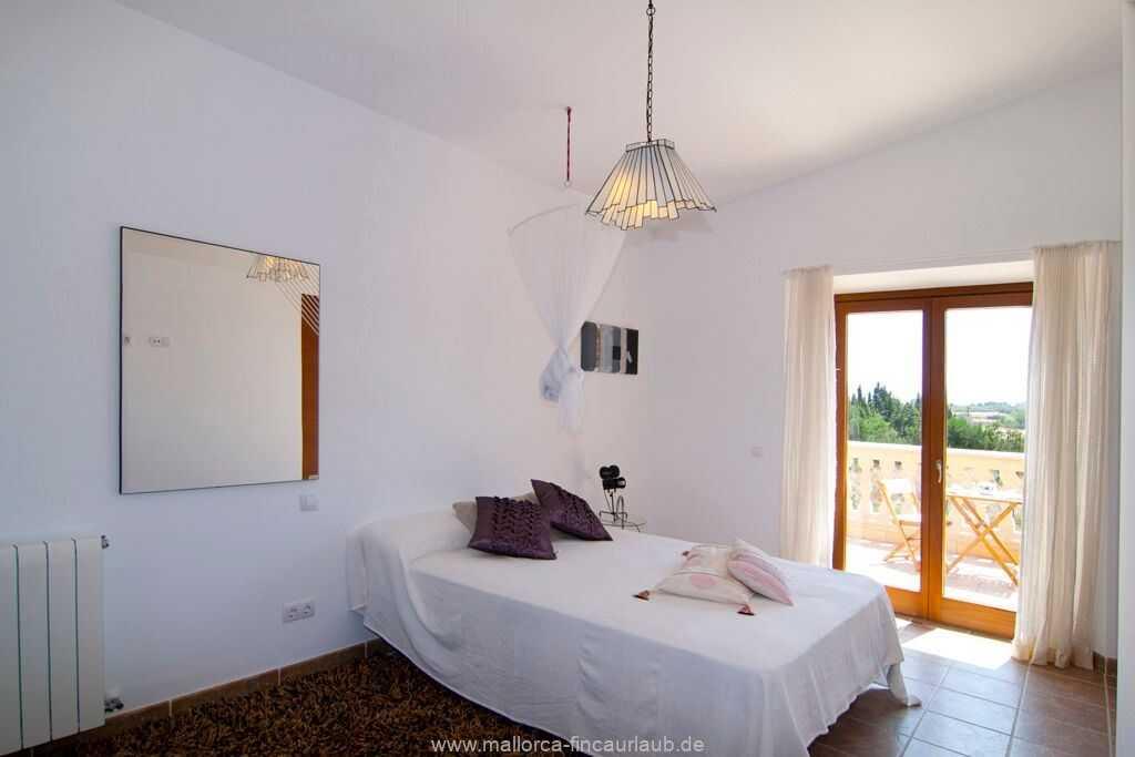 Foto der Wohnung MAL-23-084-01-finca-lydia-can-picafort.schlafen1.jpg