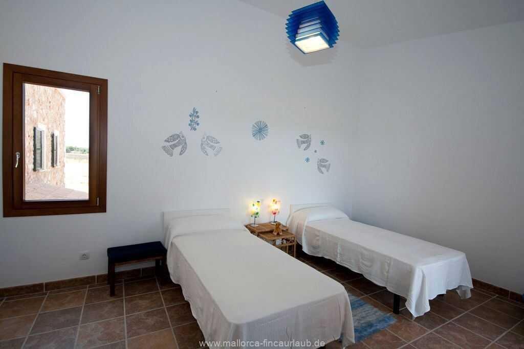 Foto der Wohnung MAL-23-084-01-finca-lydia-can-picafort.schlafen4.jpg