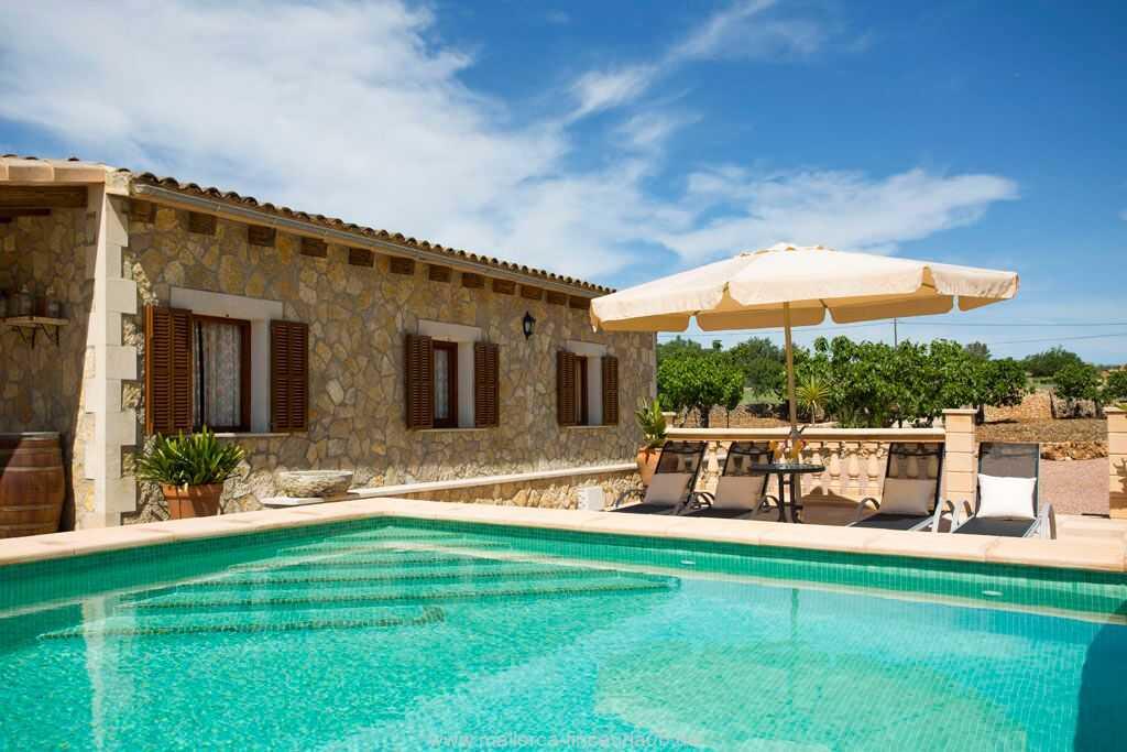 Foto der Wohnung MAL-26-069-01-finca-ariany-santa-margalida-pool2.jpg