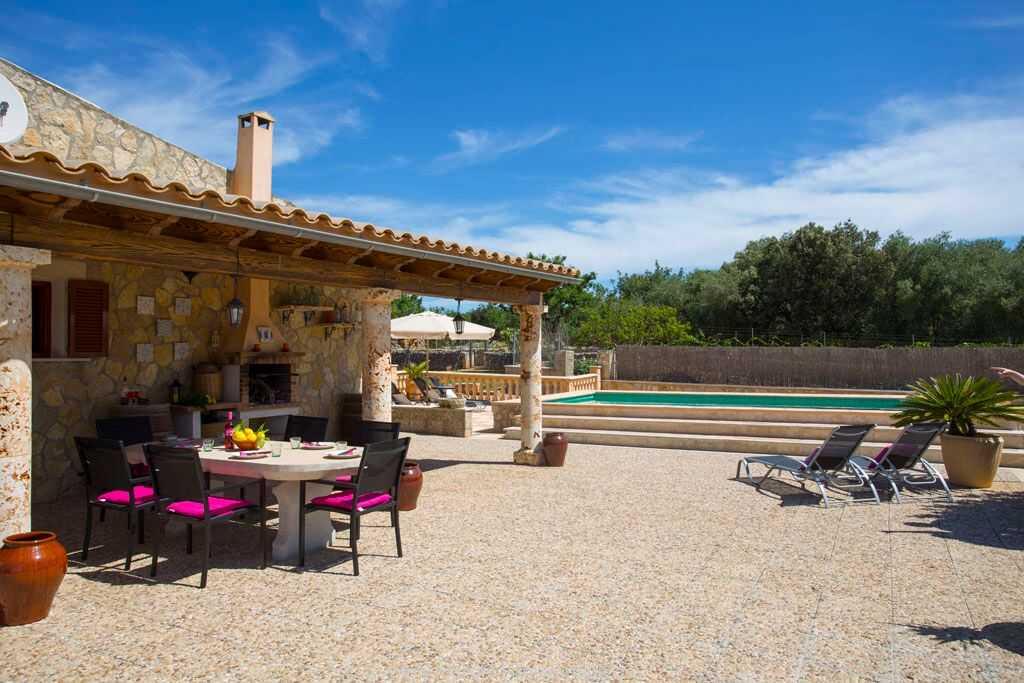 Foto der Wohnung MAL-26-069-01-finca-ariany-santa-margalida-terrasse.jpg