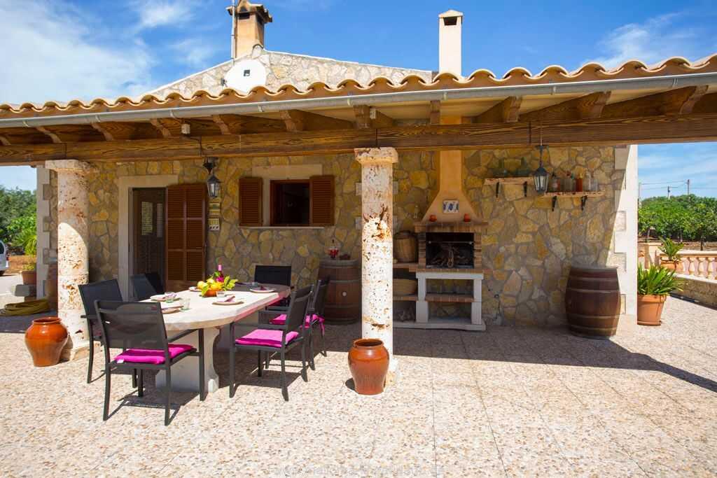 Foto der Wohnung MAL-26-069-01-finca-ariany-santa-margalida-terrasse1.jpg