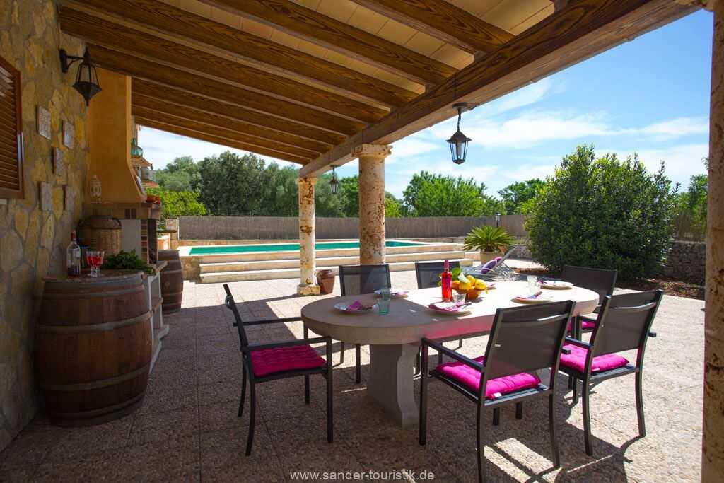 Foto der Wohnung MAL-26-069-01-finca-ariany-santa-margalida-terrasse2.jpg