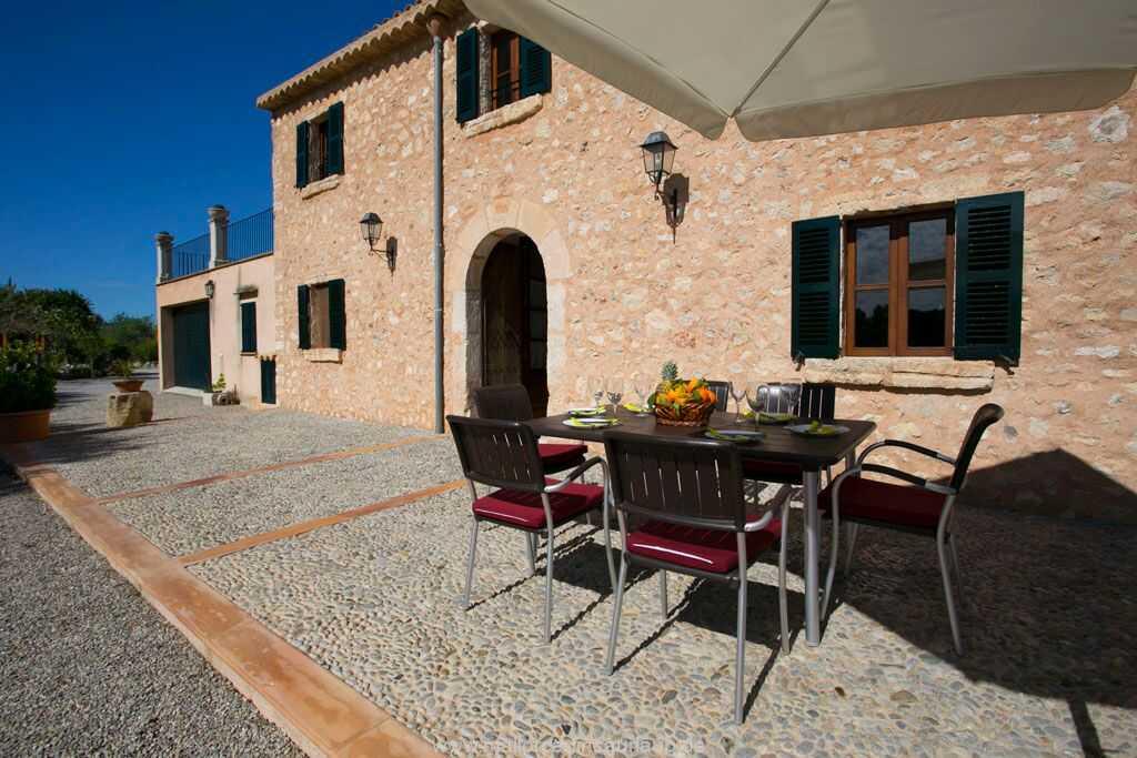 Foto der Wohnung MAL-26-088-01-finca-victor-santa-margalida-terrasse2.jpg