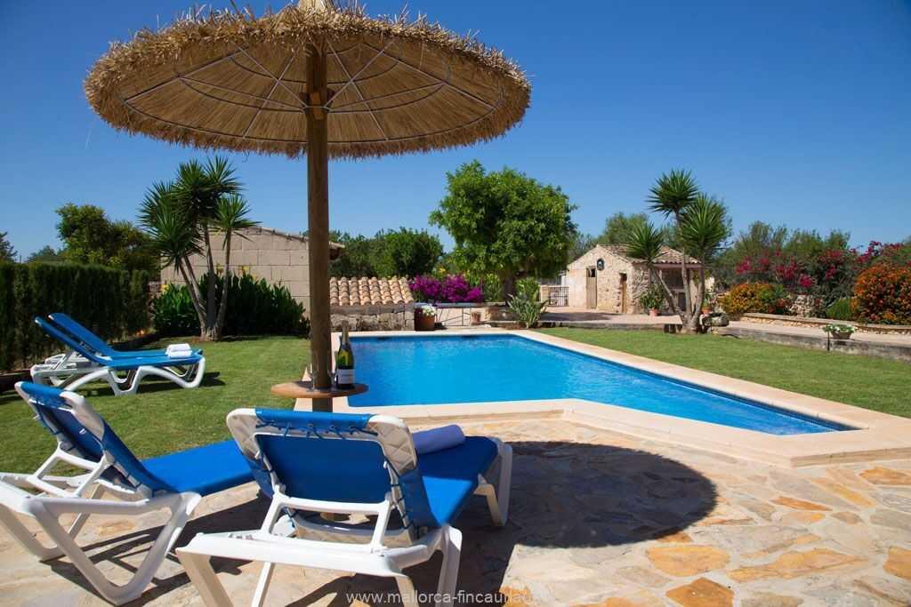Foto der Wohnung MAL-26-097-01-finca-estefan-santa-margalida-pool1.jpg