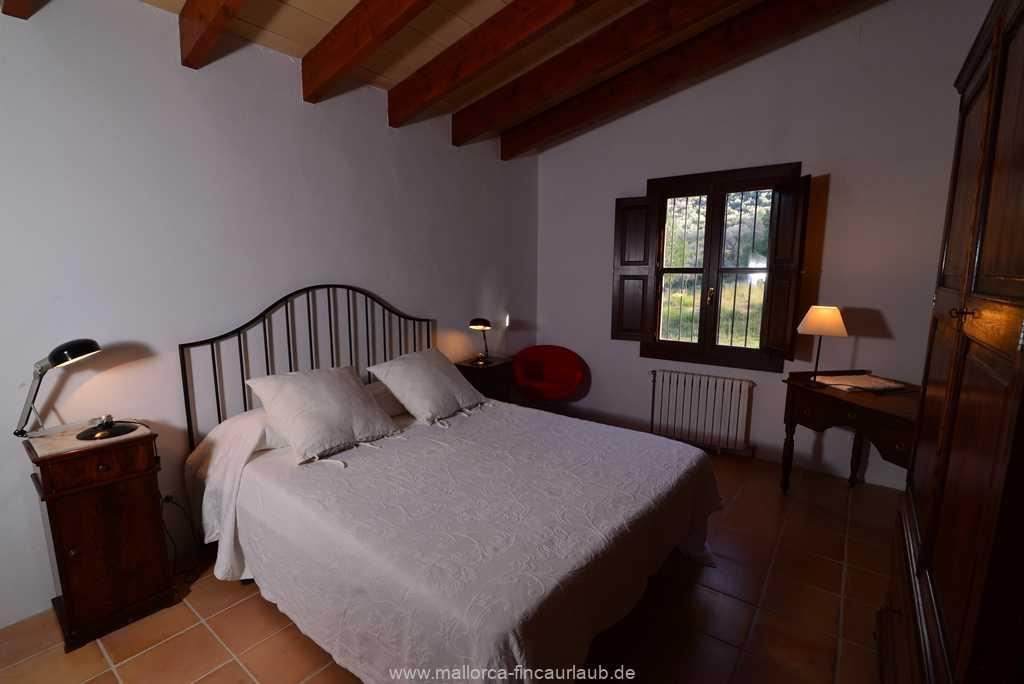 Foto der Wohnung MAL-40-511-01-finca-vidal-deia-valldemossa-schlafzimmer.JPG