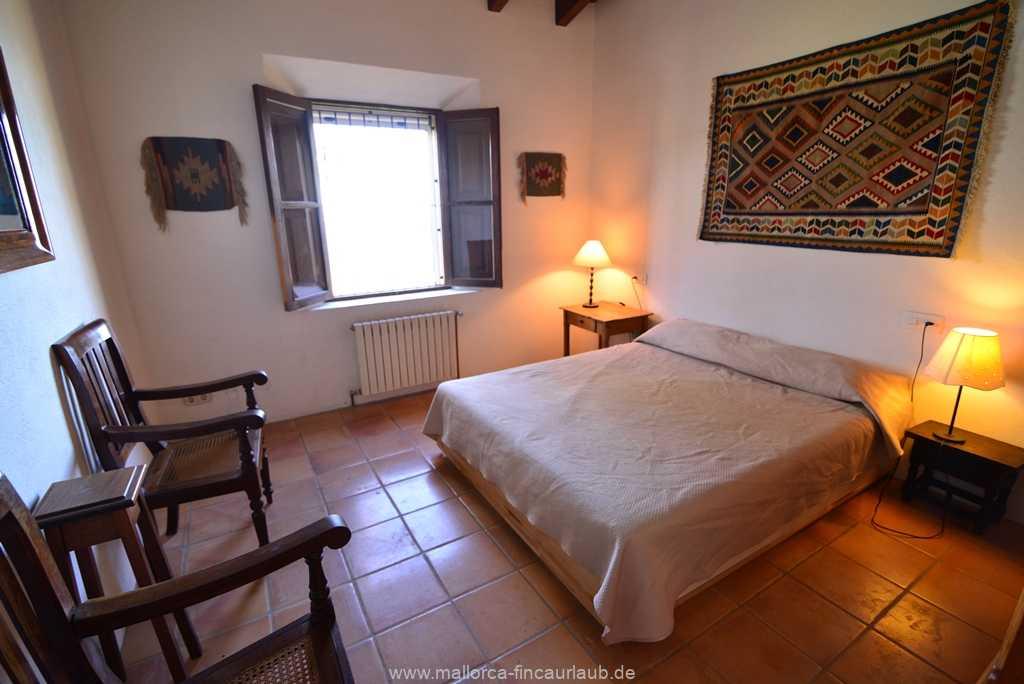 Foto der Wohnung MAL-40-511-01-finca-vidal-deia-valldemossa-schlafzimmer1.JPG