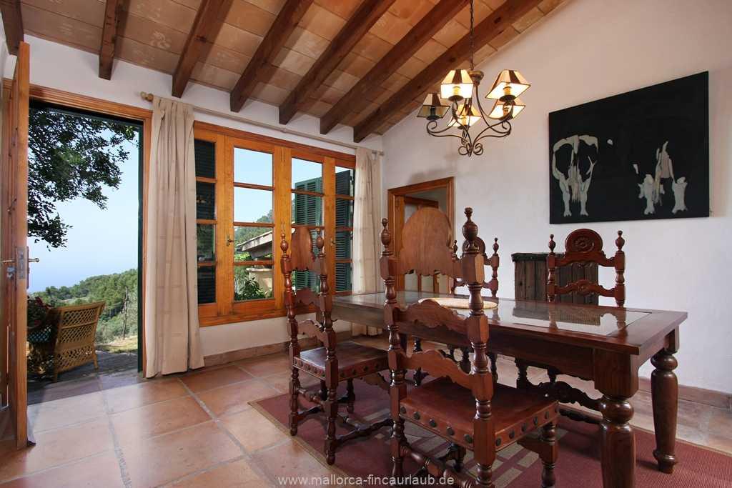 Foto der Wohnung MAL-40-515-01-finca-can-costa-deia-valldemossa-esstisch.jpg
