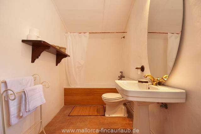 Foto der Wohnung MAL-40-516-01-finca-elena-deja-valldemossa-badezimmer2.jpg