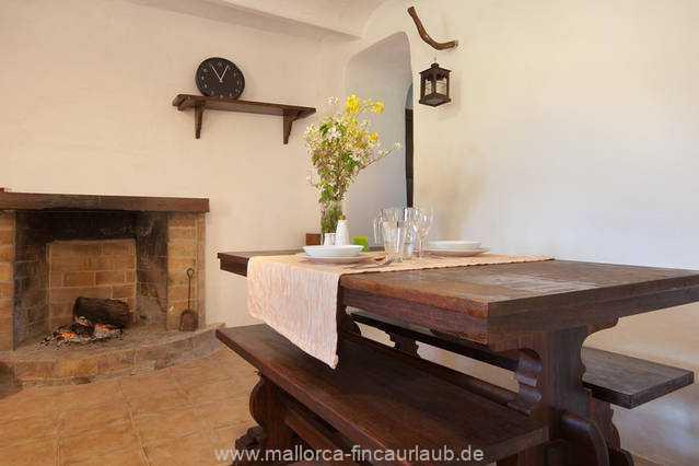 Foto der Wohnung MAL-40-516-01-finca-elena-deja-valldemossa-essecke.jpg
