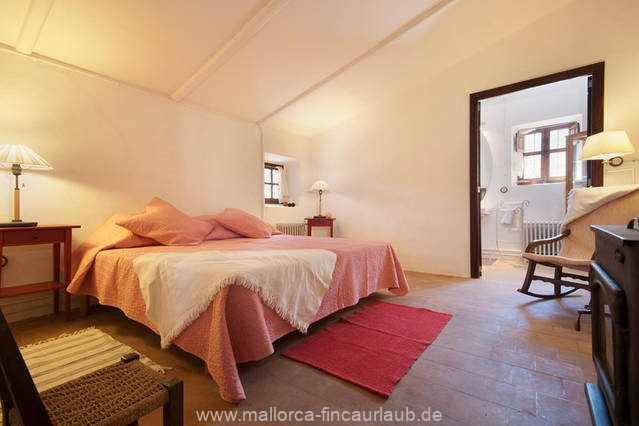Foto der Wohnung MAL-40-516-01-finca-elena-deja-valldemossa-schlafzimmer.jpg