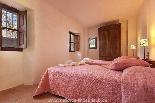 Foto der Wohnung MAL-40-516-01-finca-elena-deja-valldemossa-schlafzimmer1.jpg