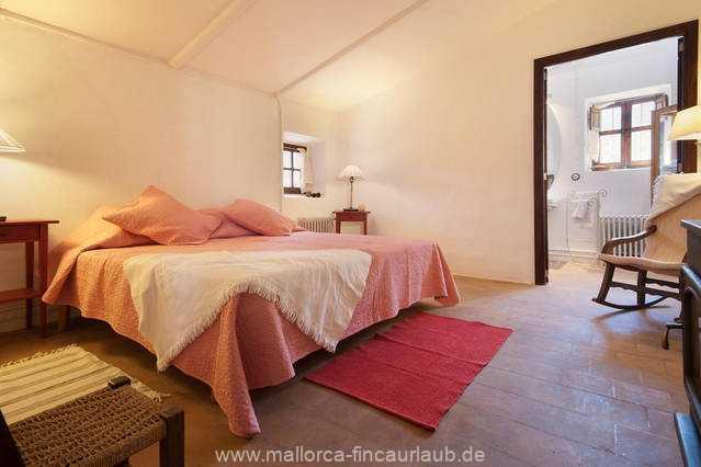 Foto der Wohnung MAL-40-516-01-finca-elena-deja-valldemossa-schlafzimmer2.jpg