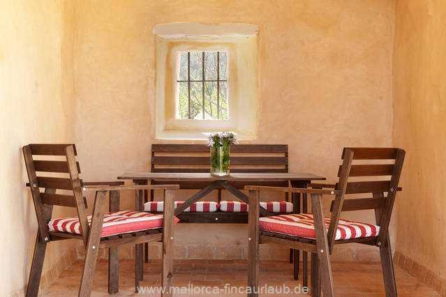 Foto der Wohnung MAL-40-516-01-finca-elena-deja-valldemossa-sitzecke.jpg