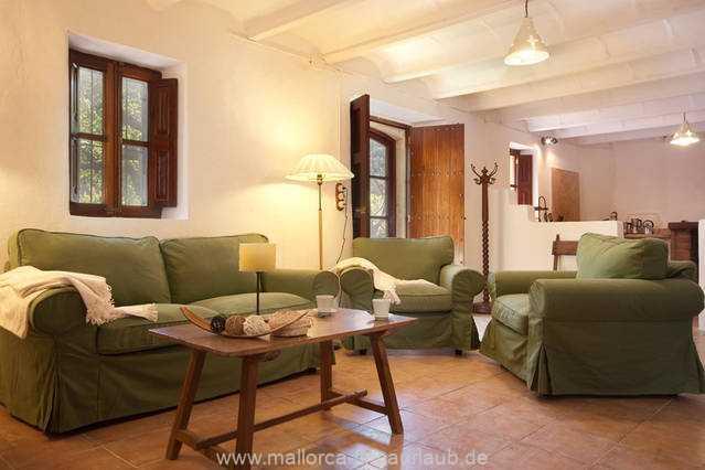 Foto der Wohnung MAL-40-516-01-finca-elena-deja-valldemossa-wohnraum.jpg
